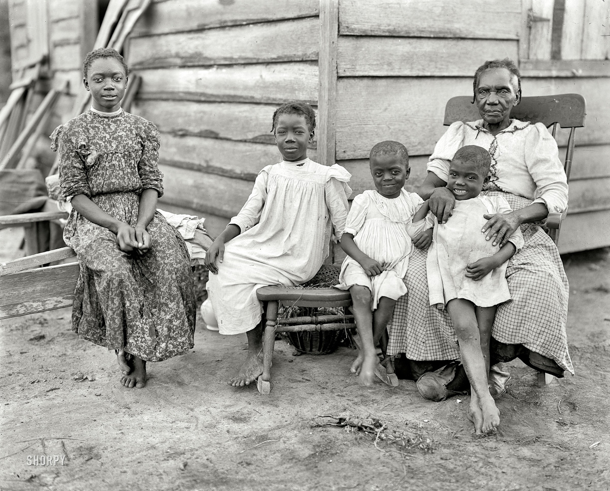 1902, Family