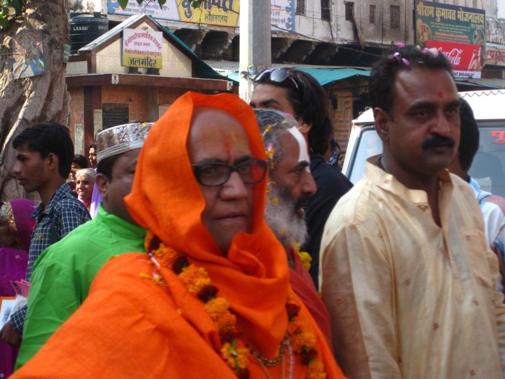orange guy glasses